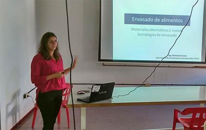 charla Florencia Cruces(422x266)